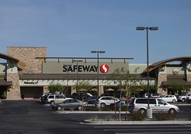Vistancia-safeway-near-trilogy-at-Vistancia-in-Peoria-Arizona